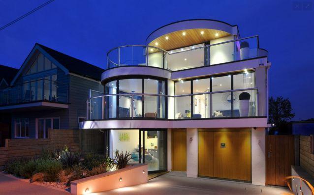 חזית עגולה שמבדילה את הבית מהעיצוב המקובל.