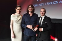 Canadian-Arts-Fashion-Awards-2014-Image-Maker-of-the-Year-winner-Chris-Nicholls