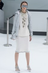 chanel-airlines-spring-2016-collection-13