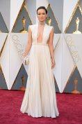 The-Oscars-2016-Best-Dressed-Olivia-Wilde-Valentino