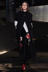 hm-studio-aw-fall-2016-paris-fashion-week (28)