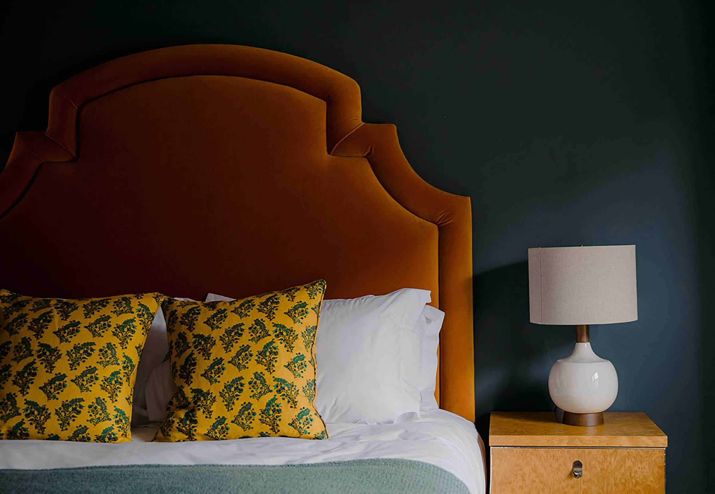 10 Unexpected Yet Chic Color Schemes To Try At Home