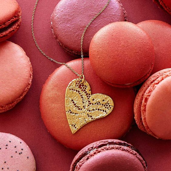 heart necklace uncommongoods