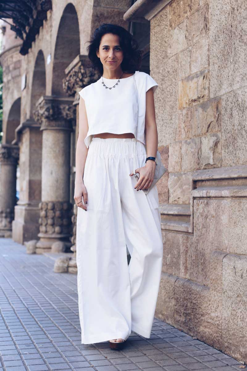 style-in-lima-total-white-look-palazzo-pants-cut-out-crop-top
