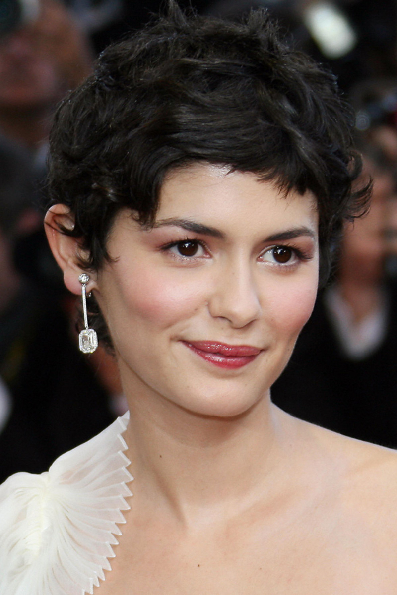 hairstyle-Audrey-Tautou-pixie-crop