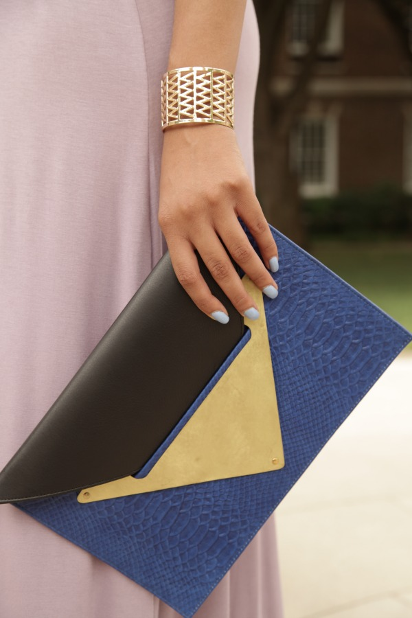 style_me_twice_kaylah_burton_shop_september_dareen_hakim_envelope_clutch