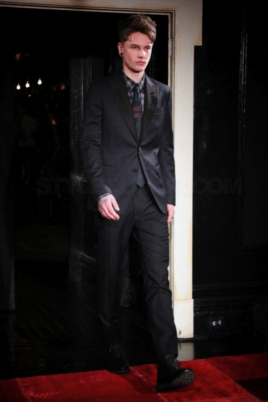 tommy-hilfiger-fall-winter-2011-menswear-collection-5