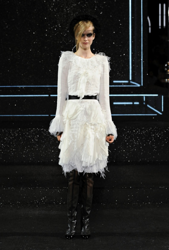 Chanel Haute Couture Fall Winter 2011 Collection 45