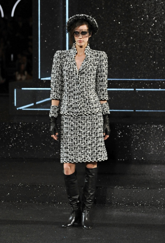 Chanel Haute Couture Fall Winter 2011 Collection 6