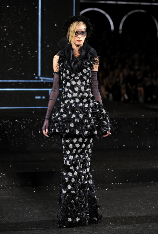 Chanel Haute Couture Fall Winter 2011 Collection 61
