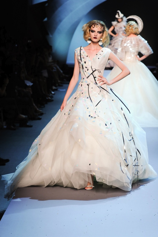 Dior Haute Couture Fall Winter 2011 Collection 35