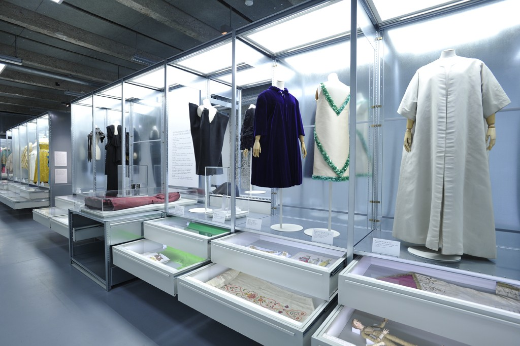 Cristobal Balenciaga Collectionneur De Modes Exhibit Galliera Museum 1