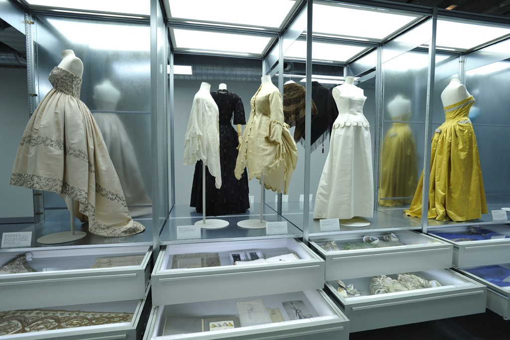 Cristobal Balenciaga Collectionneur De Modes Exhibit Galliera Museum 4