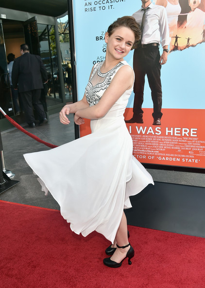 Joey King Wow Red Carpet At  Wish I Was Here  Premiere 2