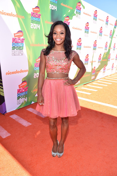 Gabby Douglas Looks Pretty In Peach At Nickelodeon Kids' Choice Sports Awards 2014 2