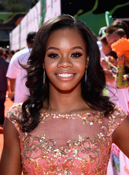 Gabby Douglas Looks Pretty In Peach At Nickelodeon Kids' Choice Sports Awards 2014 4