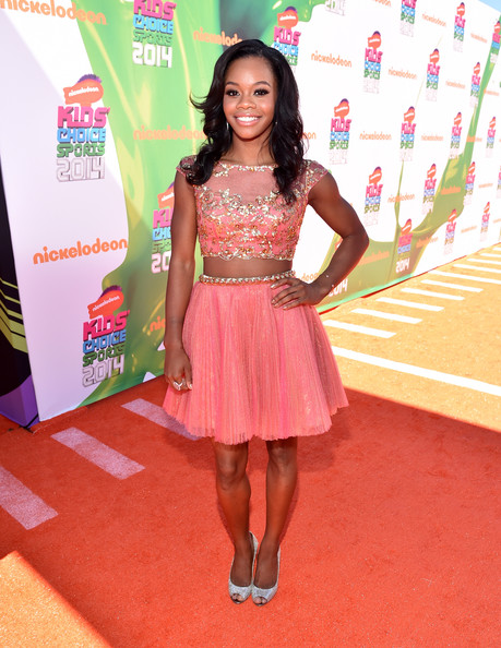 Gabby Douglas Looks Pretty In Peach At Nickelodeon Kids' Choice Sports Awards 2014 6