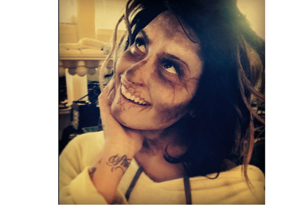 "Demi Lovato Tweets ""Walking Dead"" Inspired Makeup Look"
