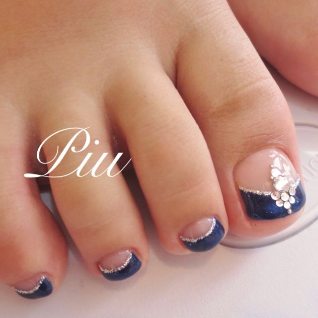 French Manicure Toe Nail Art Designs