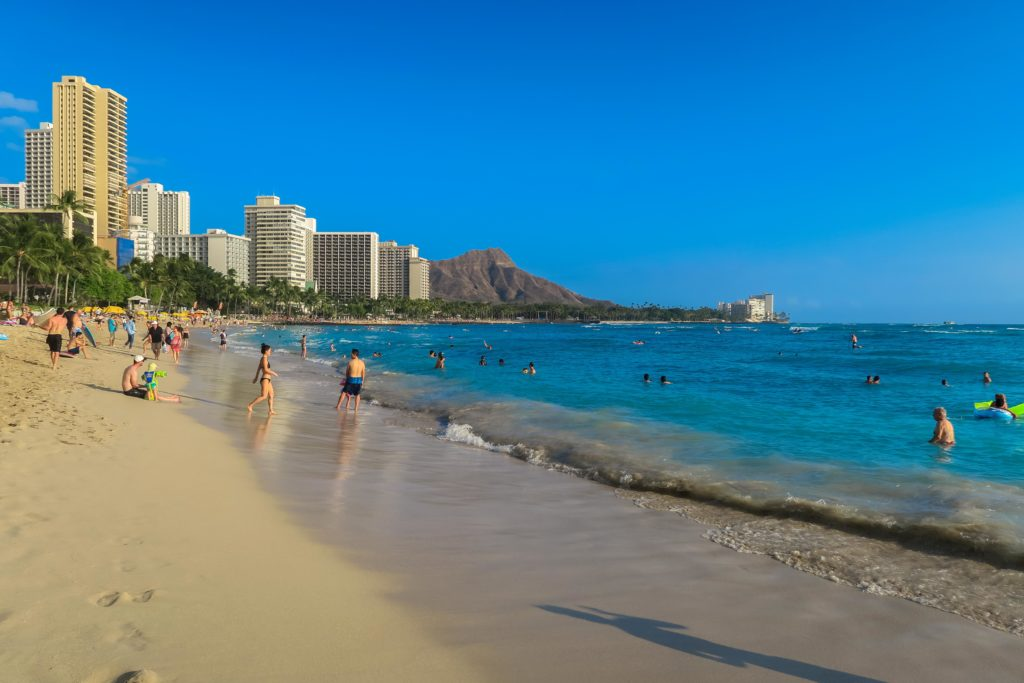 Car Rental Shuttle Honolulu Airport Visiting Oahu In Hawaii Stylish Traveler