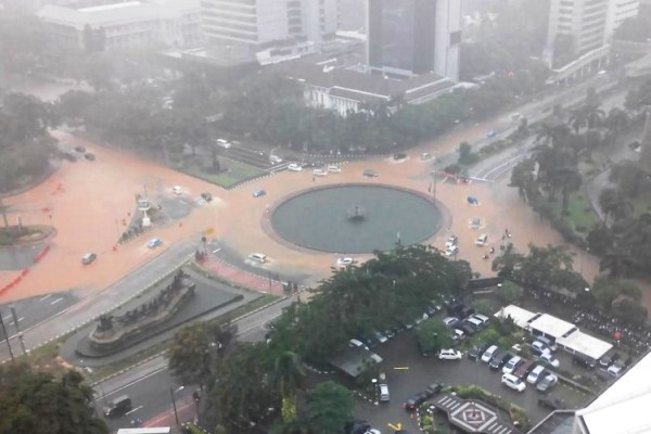 Hindari 49 Titik Banjir Jakarta Hari Ini