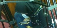 Keren! Reporter Kompas TV Ini Baca Al-Quran di Tengah Padatnya Aktivitas