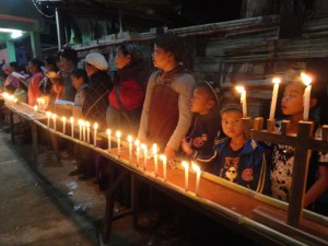 community-lighting-khanukah-candles-10