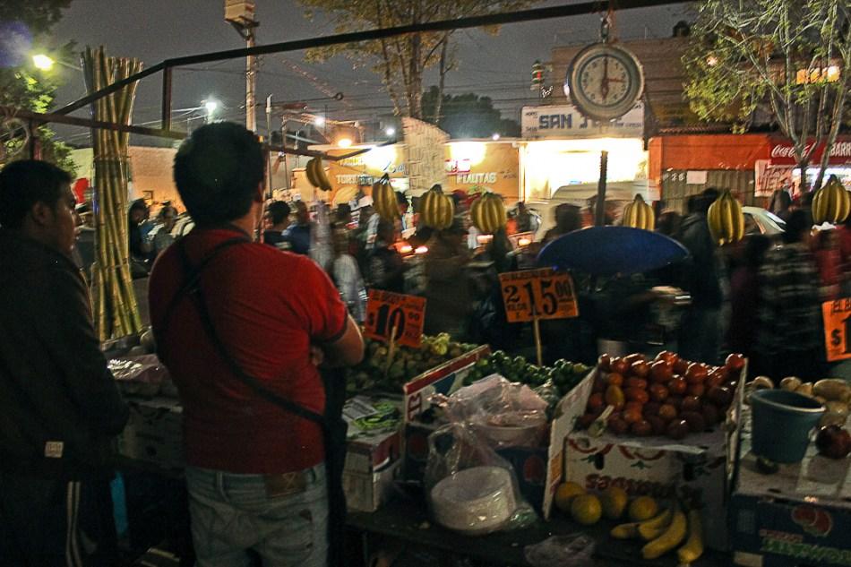 En el barrio codo a codo: Ayotzinapa en Santo Domingo