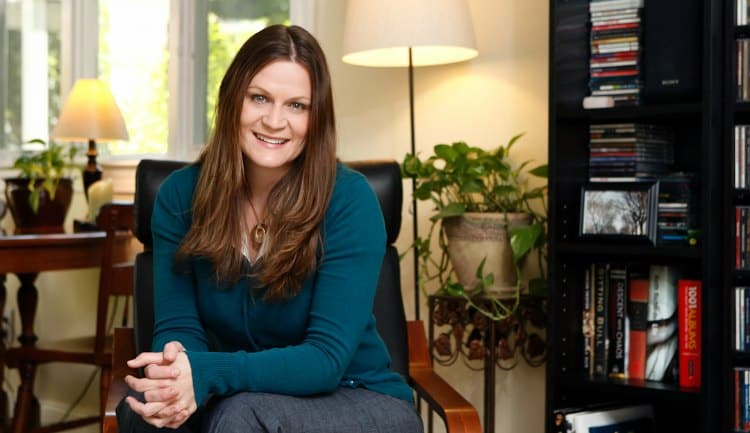 Julie Gray Talks about Time Management and Balanced Living: Interview