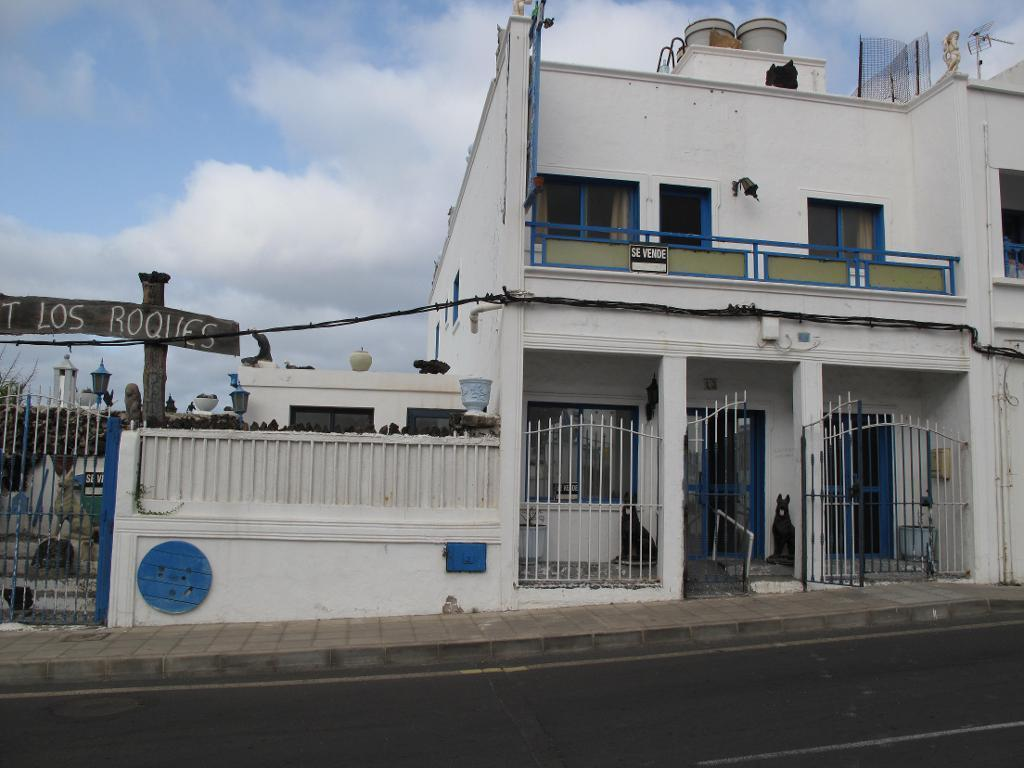 Roques Centre Commercial 5 Bedroom Business Premises For Sale In Calle Las Quemadas Orzola