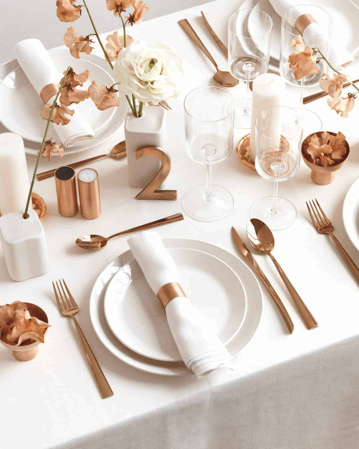 10 Charming Table Settings For Your Next Party Sugar And Charm