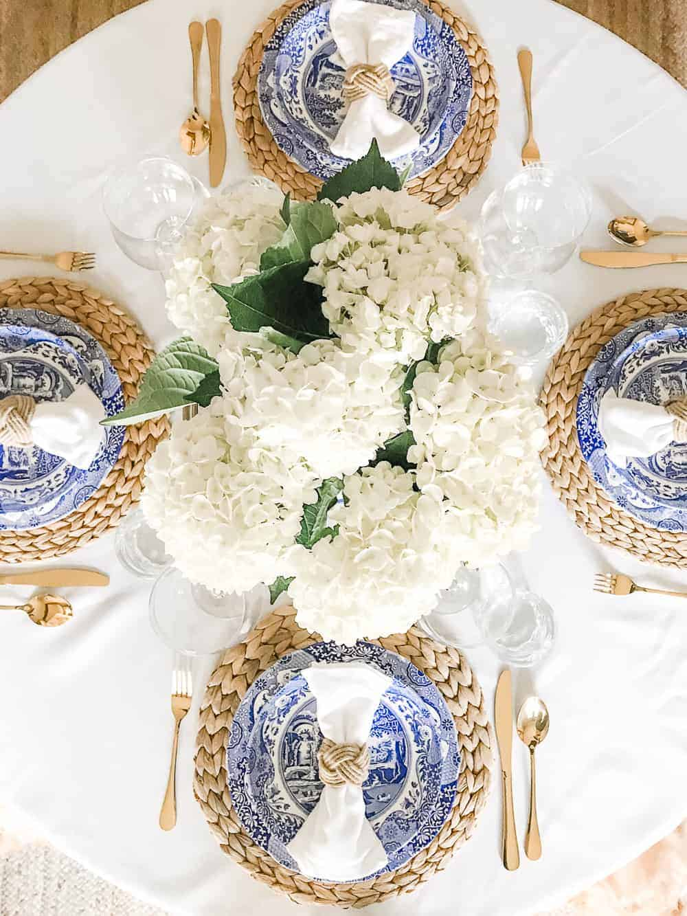10 Charming Table Settings for Your Next Party! - Sugar and Charm