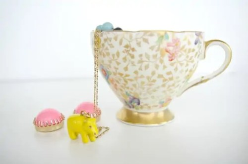 teacup as a DIY jewelry box