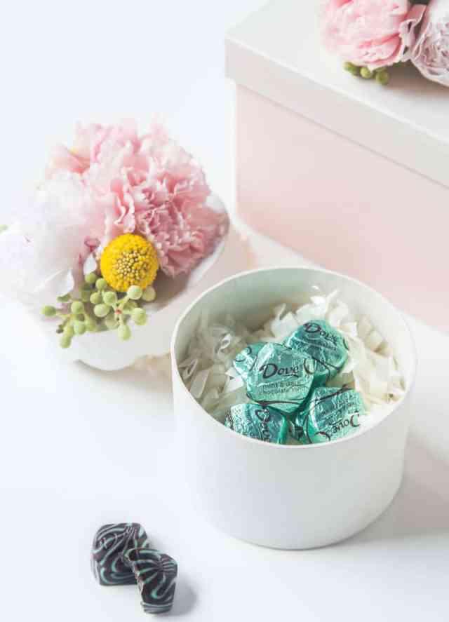 DIY fresh flower gift boxes   sugarandcloth.com