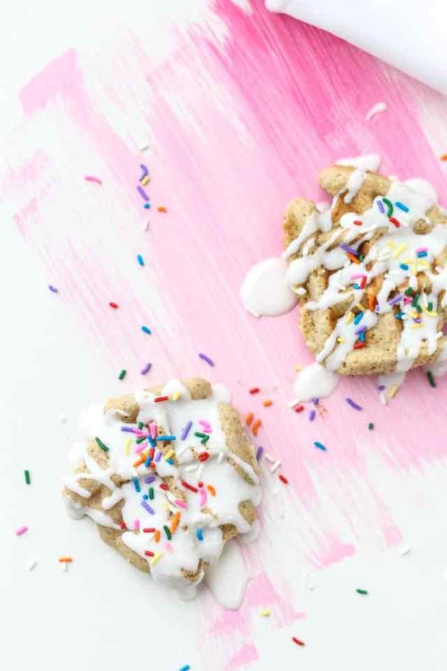 mini waffle cake recipe | sugarandcloth.com