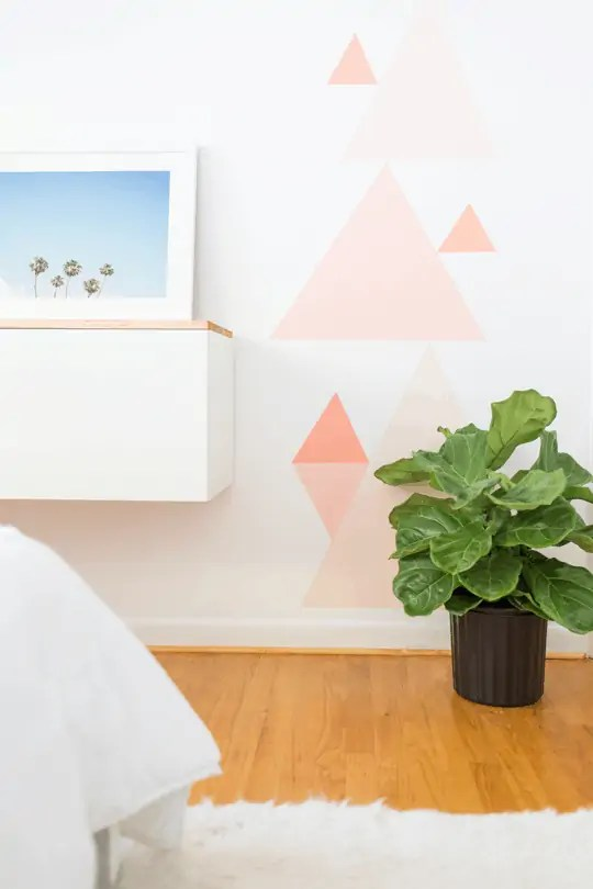 DIY geometric accent wall | sugarandcloth.com
