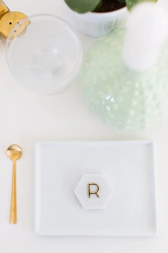 DIY Marble Hexagon Place Cards-4