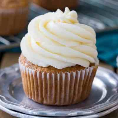 The Best Cream Cheese Frosting Recipe - Sugar Spun Run