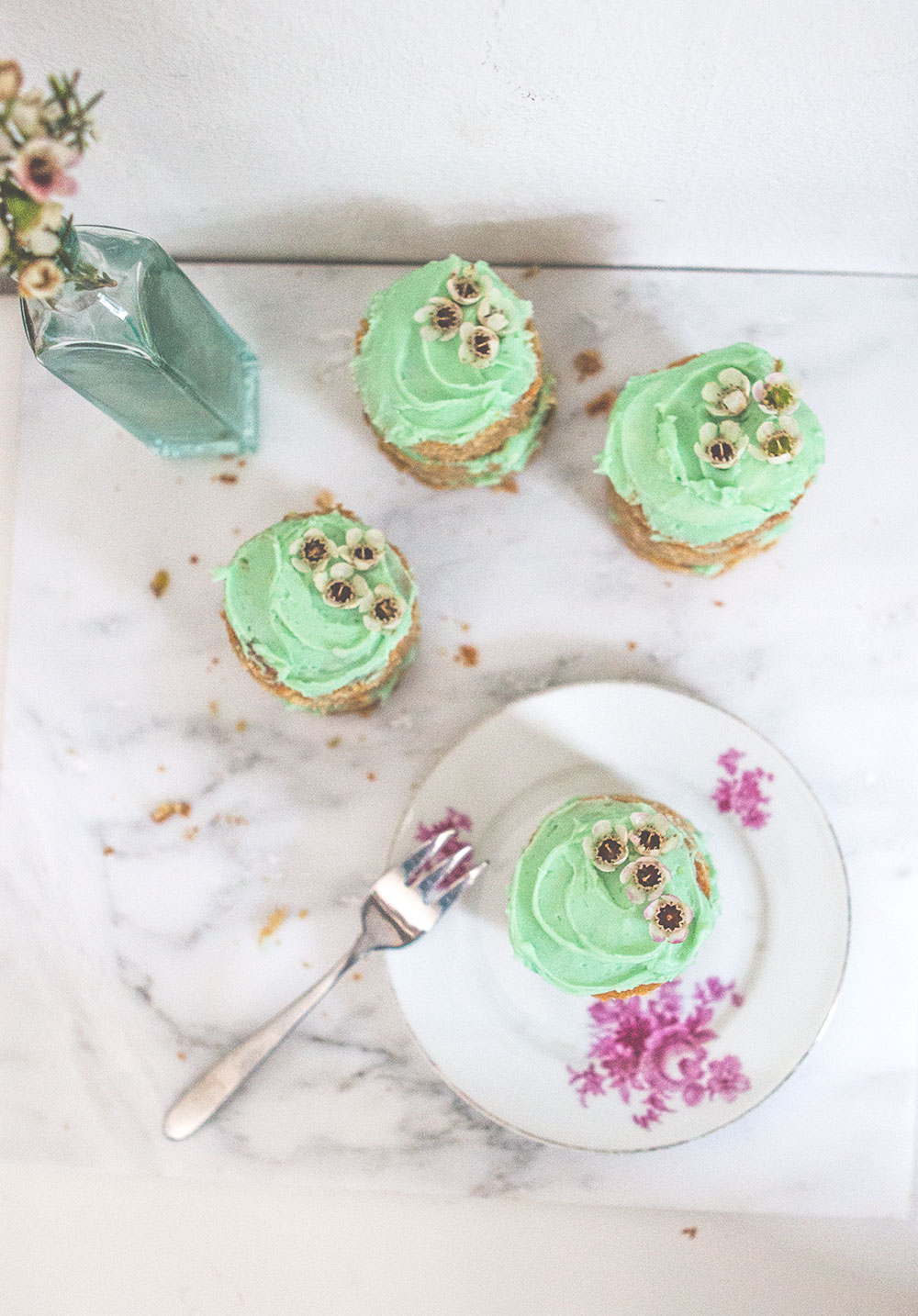 mini pistachio cakes | Sugar Thumb
