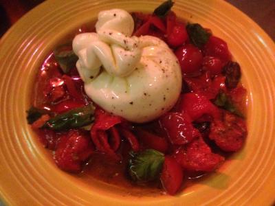 トマトと出来立てブッラータのサラダ