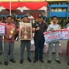 Dispora Padang Helat Lomba Tata Upacara Bendera