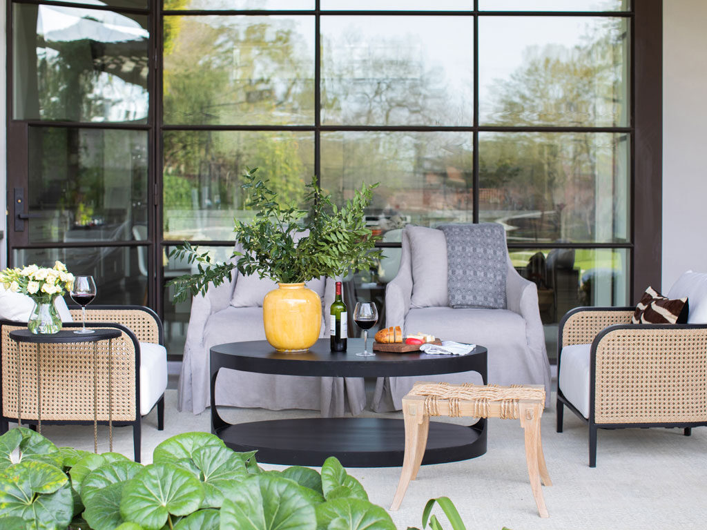 How To Mix And Match Outdoor Furniture Materials Summer Classics - Outdoor Furniture Clearance Townsville