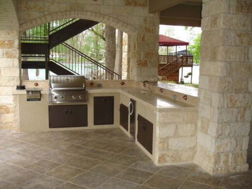 Outdoor Kitchen is worth the investment