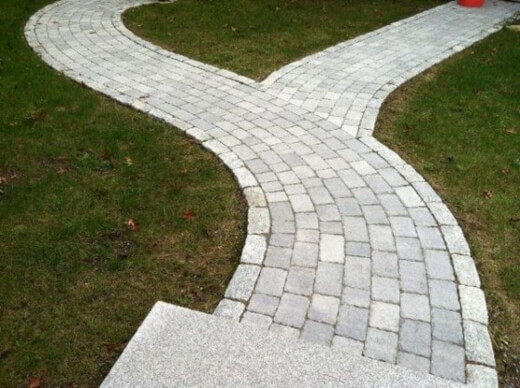 The way you arrange your brick pavers can have a significant effect on the appearance of your patio