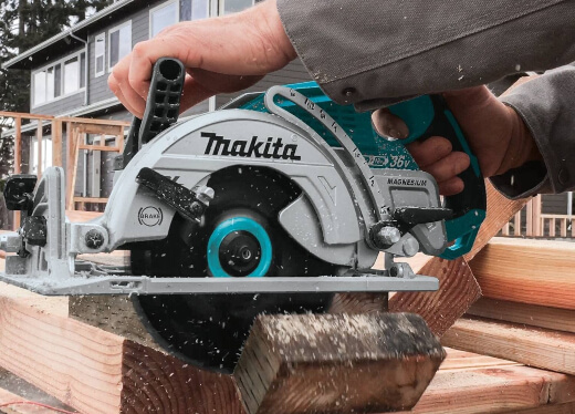 Choosing the Best Cordless Circular Saw