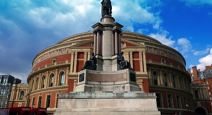 Taking a Royal Albert Hall Tour has always been an activity on my list of things to do in London.