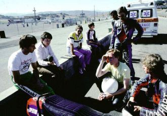 Eddie Lawson as guest instructor talking to students at Laguna, 1982.
