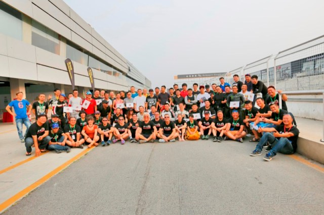 2015 Goes to Beijing to run the 1st Superbike School in China