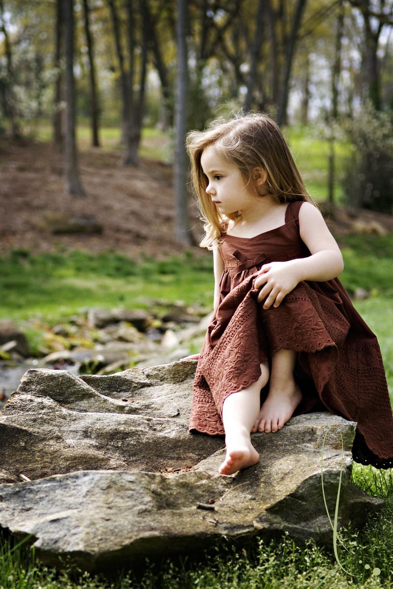 Lonely Little Girl Wallpapers صور خلفيات ورمزيات بنات صغار روعة وجميلة Hd سوبر كايرو