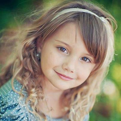 Cute Smiling Babies Wallpapers صور اطفال بنات صغيرة مواليد في خلفيات بنات بجودة Hd سوبر